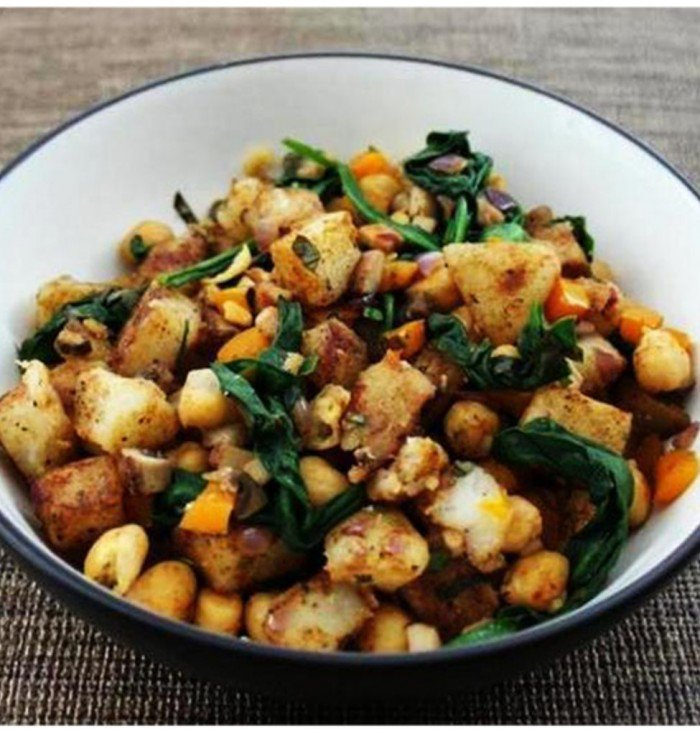 Warm Potato Salad With Spinach & Chickpeas